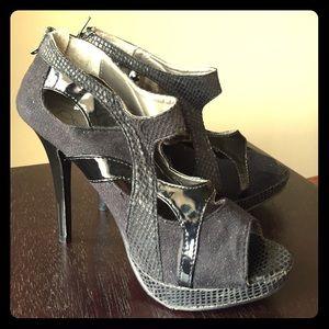 Cut out peekaboo heels!