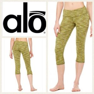 ALO Yoga Pants - NEW!  ALO Yoga 'Airbrush' sculpting capris