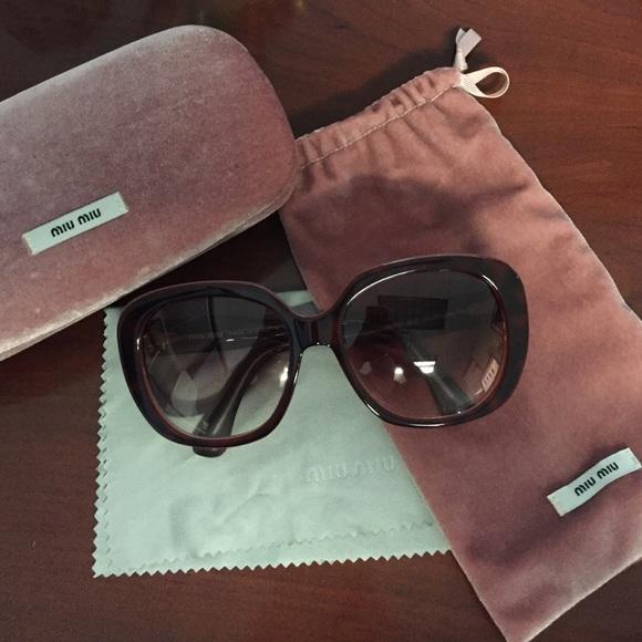 583df153c19 miu miu oversized sunglasses. M 5729177f522b45046500c1d6