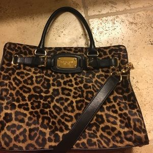 Michael Kors Handbags - Brand new!!!!! NEVER used!WOULDmake a great GIFT!!