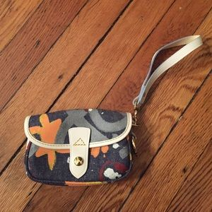 dooney & bourke vintage clutch!
