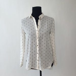 H&M Tops - Black and White Diamond Patterned Button Up Shirt