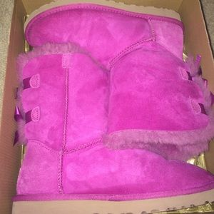 UGG Shoes - Pink Uggs Bailey bow