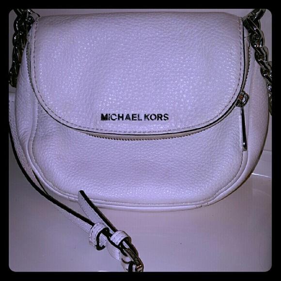 676decf0a27d Michael Kors Bedford Flap MK Crossbody Bag. M 57299a4b2ba50ac558021ff3