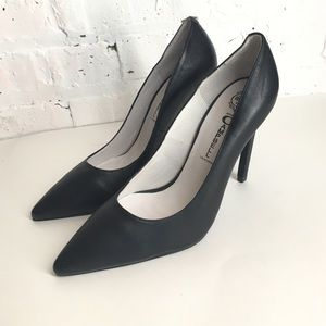 Black Jeffrey Campbell pointed pump 7