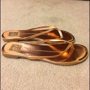 Dolce Vita Shoes - Rose gold flip flops