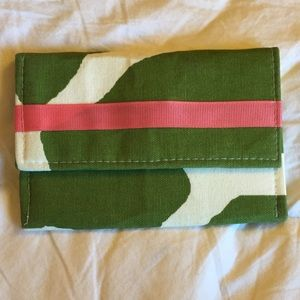 Green, Pink & White Envelope Clutch. NWOT.
