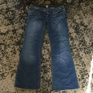 Silver Jeans - Silver Aiko Jeans Size 34 from Claudia's closet on ...