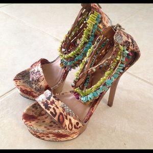 bebe heels size 6.