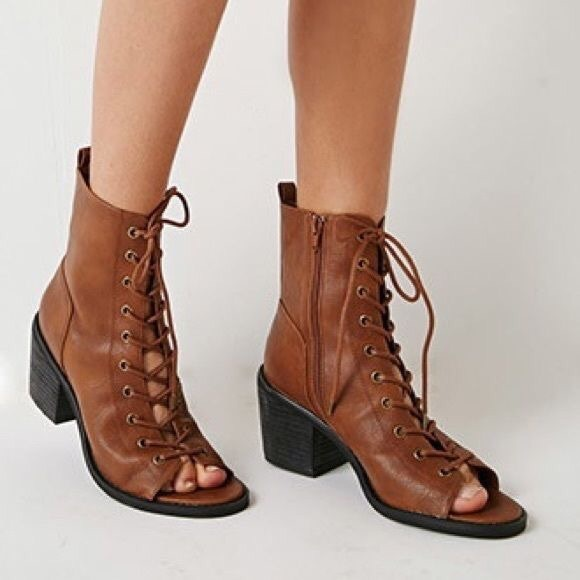 2afc93e4396 Forever 21 Shoes - Forever 21