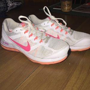 Nike dual fusions