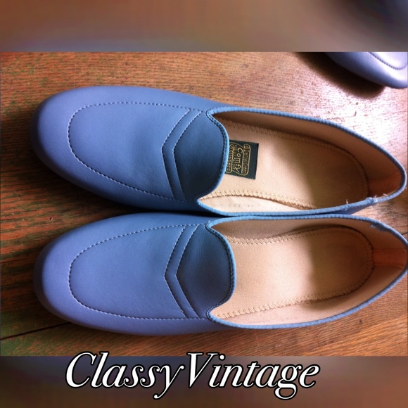 Daniel Green Shoes   Vintage Daniel Green House shoes. 98  off Daniel Green Shoes   Vintage Daniel Green House shoes from