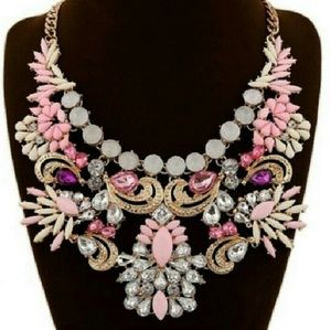 New Beautiful Pink/White Statement Necklace