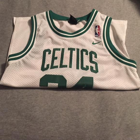 50 off nike tops nike celtics jersey from jayah 39 s for Do gucci shirts run small