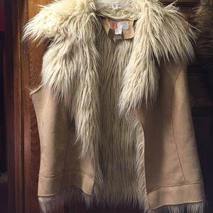Jackets & Blazers - Tan fur vest