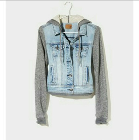 Police Auctions Canada - American Eagle Outfitters Sherpa ...  Dog Jacket American Eagle Outfitters