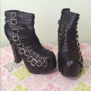 Shoes - Black buckled platform boots slightly used
