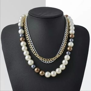Jewelry - Multi layer Pearls and Chains Necklace