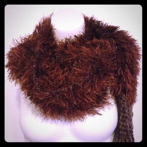 Accessories - Awesome brown furry scarf