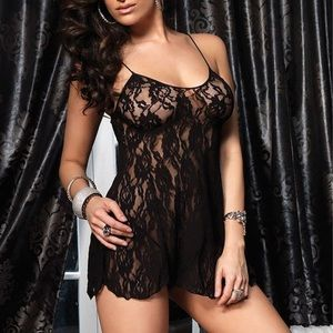 Leg Avenue lace chemise with g string