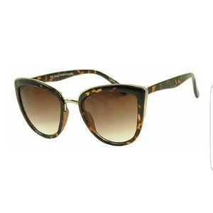 Metal Bridge Trim Oversized Cat Eye Sunglasses