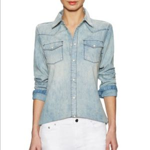 BLK DNM Tops - Fashionable chic Jean shirt, light blue