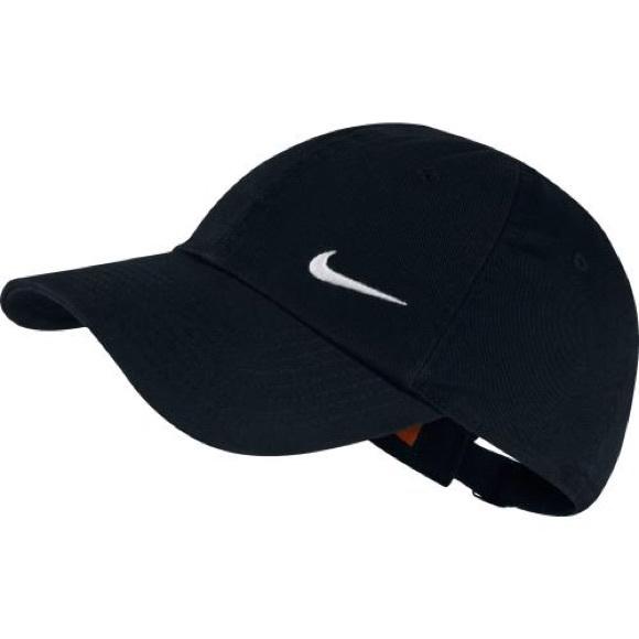b960dc500b4 Nike Women s Heritage 86 Swoosh Cap. M 572b6b595a49d0a6b3003bbf