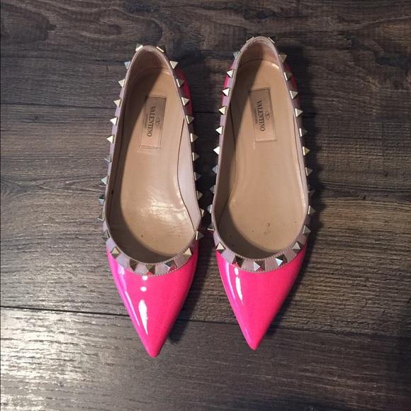 f5649bbb0e1 Valentino Hot Pink Patent Rockstud Flats. M 572b6cda680278032e01741f