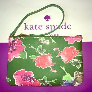 TAKE 30% OFF  Kate Spade ♠️ Lolly Wristlet NWT
