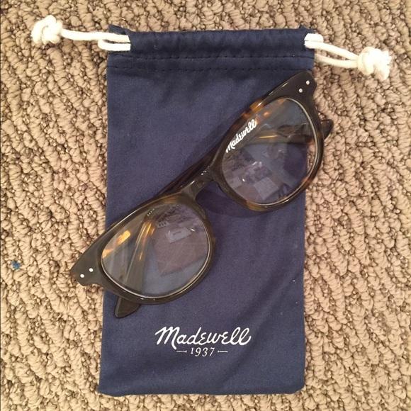 d9c6f8c9c3 Madewell Accessories - Madewell Tortoise Glasses
