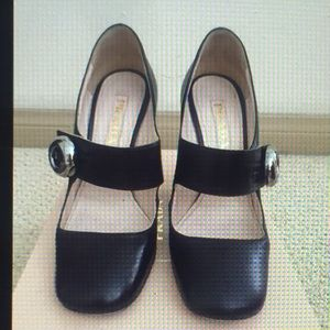 Prada Designer Authentic pump.
