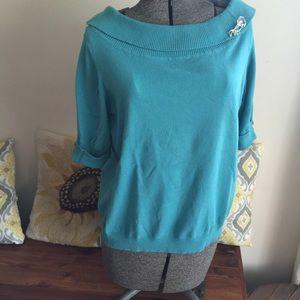 East 5th Short sleeve lightweight sweater.