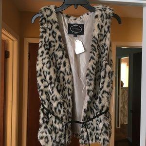 Faux fur vest w leather belt strap