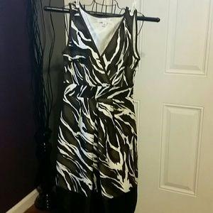 Banana Republic Silk Animal Print Dress sz 0