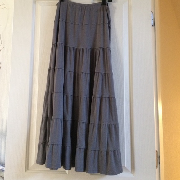 83 max studio dresses skirts maxi gray skirt