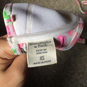 Abercrombie & Fitch Swim - Abercrombie floral bikini top