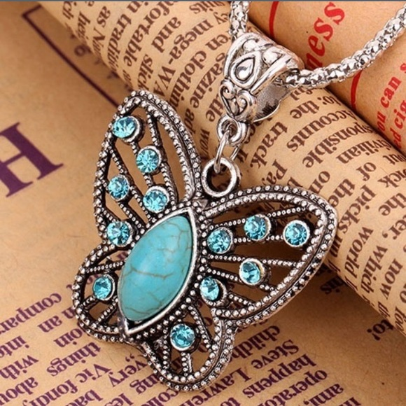 Jewelry - Beautiful turquoise butterfly necklace