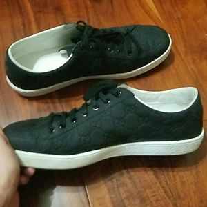 Gucci Shoes - Gucci sneakers Gommata, size 9