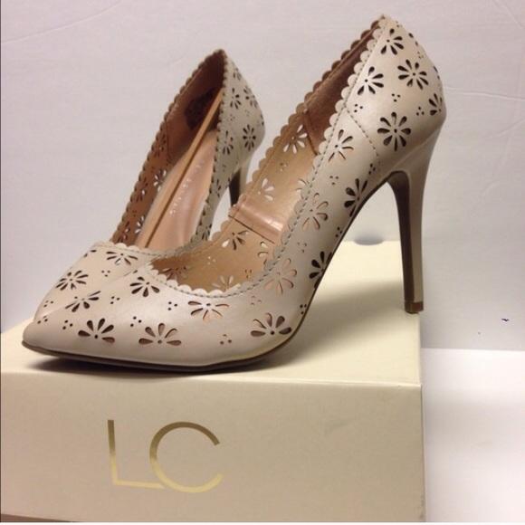 0325912a172a Lauren Conrad Floral Cutout Heels