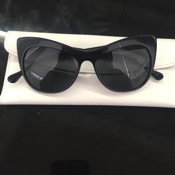 2a4ed47818 Elizabeth and James Lafayette Cat eye sunglasses