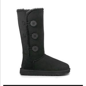 black uggs size 4