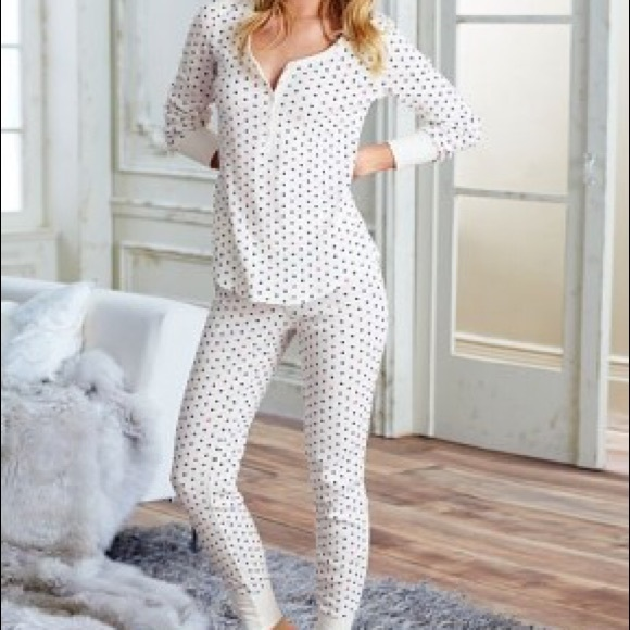 Victoria secret long Jane fireside heart pajamas. M 572be77ab4188eddcb002147 ead92dff6