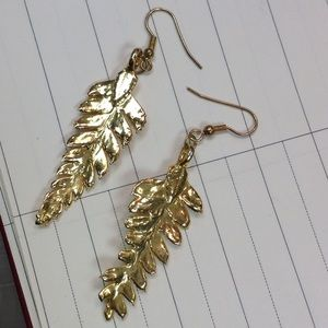 Vintage Jewelry - Gold Dipped Fairy Leaves Ferns Earrings Shine