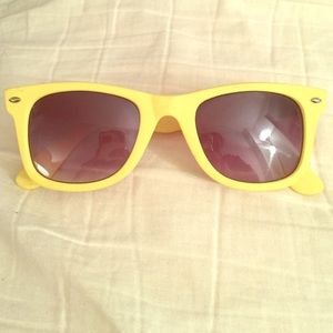 Accessories - Fun yellow sunglasses!
