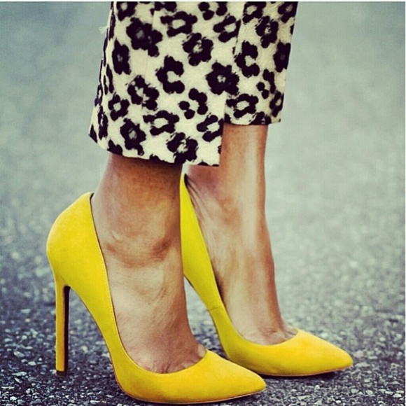 Lauren Marinis Shoes - GILDA Yellow Suede Pumps