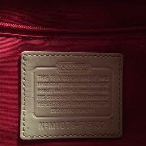 Handbags - Inside if white purse