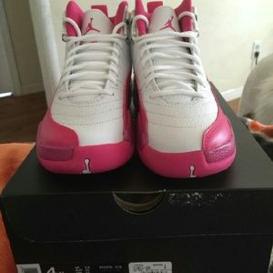 Sale Online 7652d E4f82 Jordan 12 Pink Aka Valentines Day Size 4 Gs