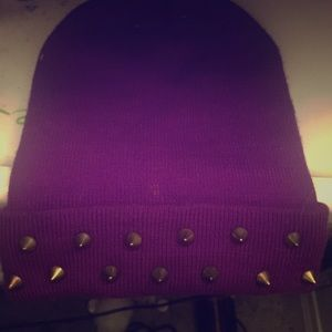 Boohoo purple spiked beanie