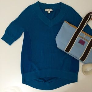 Doo.Ri Sweaters - V-Neck Asymmetrical Hem Tunic Sweater in Aqua Blue