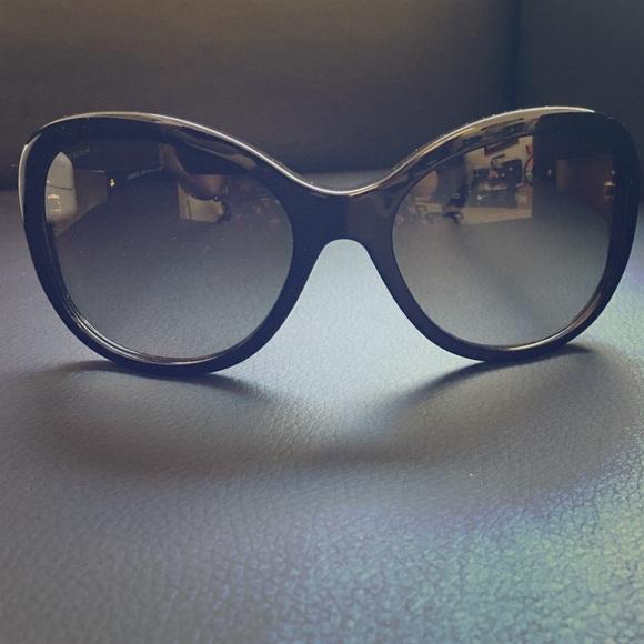 996031a73650 REDUCED Versace Sunglasses Black Model 4237-B